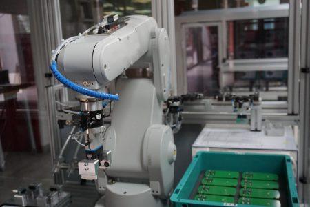 Robotyzacja linii produkcyjnych